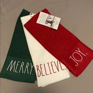 New Rae Dunn Christmas Kitchen Towels- Set of 3